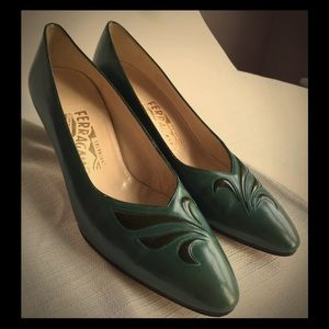 Salvatore Ferragamo Italian Leather vintage pumps